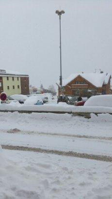 Alpe d'Huez - tons of snow - ©desclarke