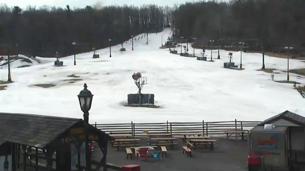 Spring Mountain Ski Area - Looks like the seasons over at spring.  - ©anonymous user