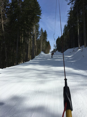 St Jean d'Aulps - Blue skies, empty slopes, the odd drag lift , a perfect days skiing  - ©personal phone