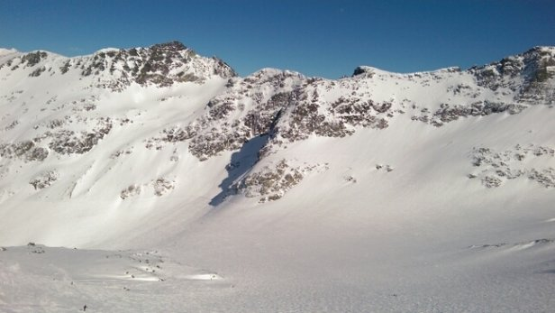 Whistler/Blackcomb - Smashing bluebird day again today. Skied Whistler in the morning & Blackcomb in afternoon. Conditions on Backcomb were awesome. Easily becoming my favorite of the two. - ©The Kane Train