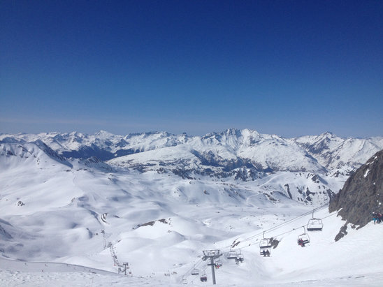 Les Arcs - Beautiful conditions. Hardly slushy at all nor icy - ©Anica's iphone