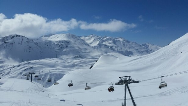 St. Anton am Arlberg - New snow from yesterday :) nice and off piste perfect for powder.  - ©fortier304