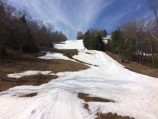 Hunter Mountain - Last day for hunter today.  well worth it.  40 buck tickets, soft snow and a little walking on a few trails.  Laps on their high speed lift.  Sore! - ©GBW