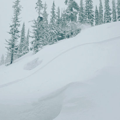 Big White - Good powder up at gem - ©powwow