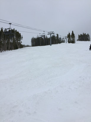 Beaver Creek - Not Bad, sleeting a little, nice turning potato substance.  Pretty good for April 9th - ©Under Grouse Mountain 10