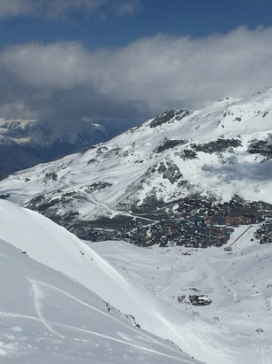 Val Thorens - Spring conditions but amazing snow up high. - ©Colin's iPhone