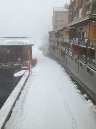 Val Thorens - More fresh snow at Val Tho. Looking good for Dutch Week! - ©Colin's iPhone