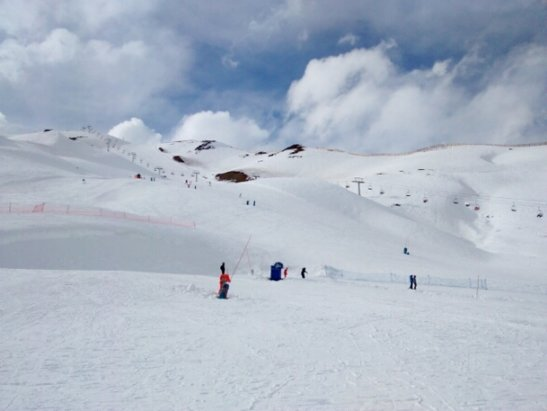 Valle Nevado - dusting of new snow. began snowing when the lifts closed today - ©george