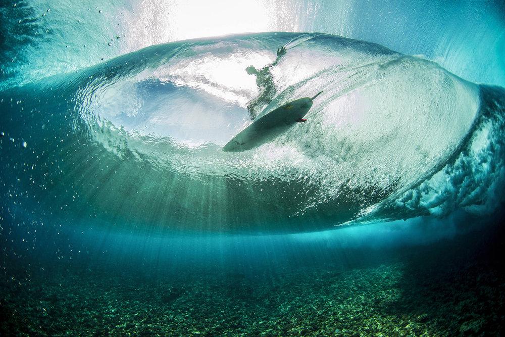 Landon McNamara surft in Französisch-Polynesien - ©Red Bull Illume | Ben Thouard