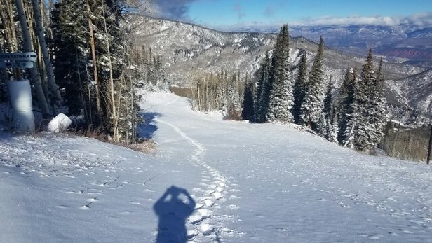 Sunlight Mountain Resort - First tracks this season , Friday,  Nov 18 11:30 am - ©Gerry VanderBeek