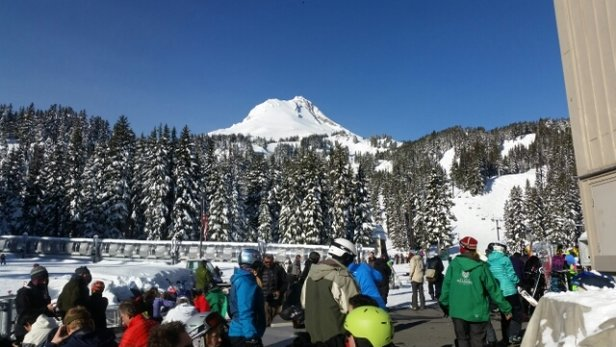 Mt. Hood Meadows - Lunchtime Sunday the 18th - ©anonymous