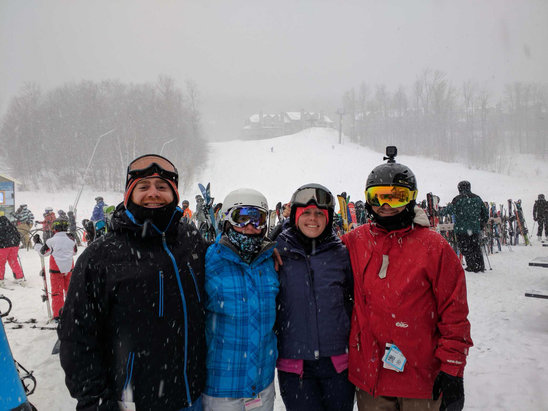 Okemo Mountain Resort - Snow started ~10am, sunburst line was 15mins but if you stay mid mountain it skied good all day. Started getting deep toward the end - ©Mike C