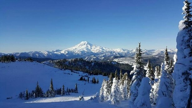 White Pass - Beautiful day 1/5/2017 - ©anonymous