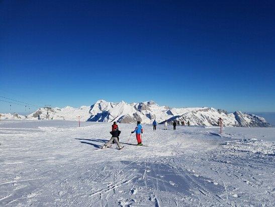 Wildhaus - Toggenburg - Im Schatten ein wenig glatt aber top Schnee - ©Sean