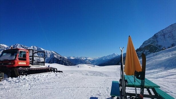 Courmayeur - perfect piste bashing - ©anonymous