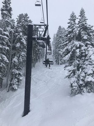 Squaw Valley - Alpine Meadows - Decent. Pretty slushy.  - ©Dean's Rotary Phone