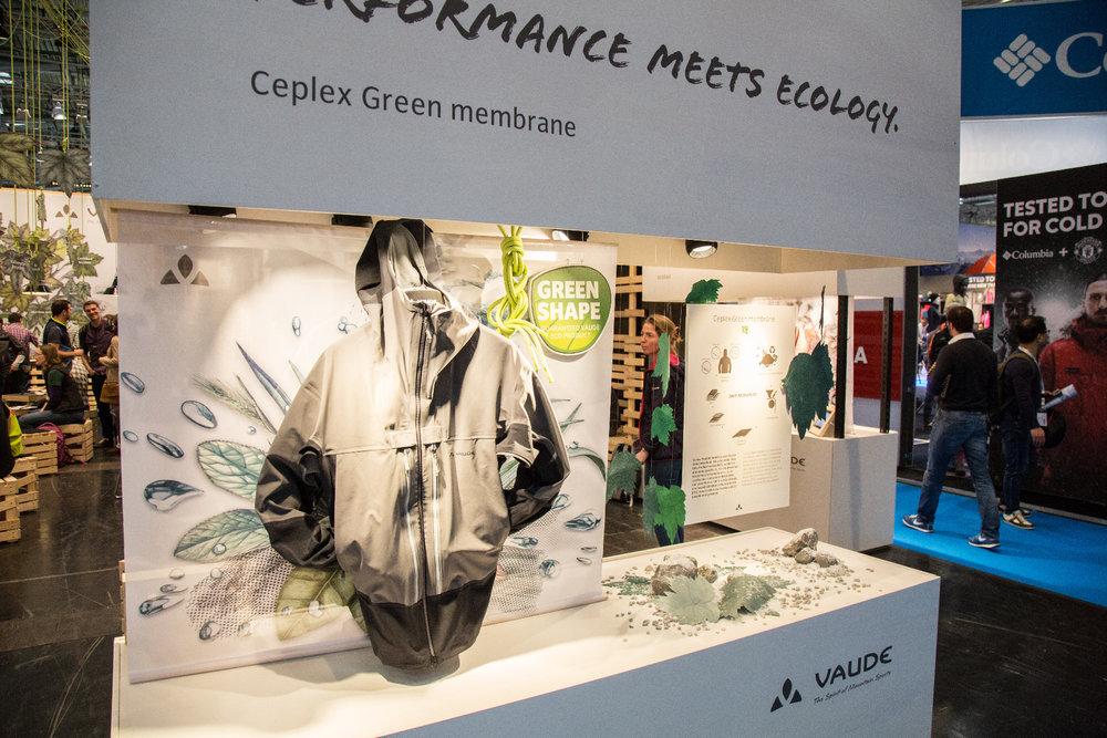 VAUDE zeigte auf der ispo seine neuen, ökologischen Ceplex-Produkte - ©Skiinfo