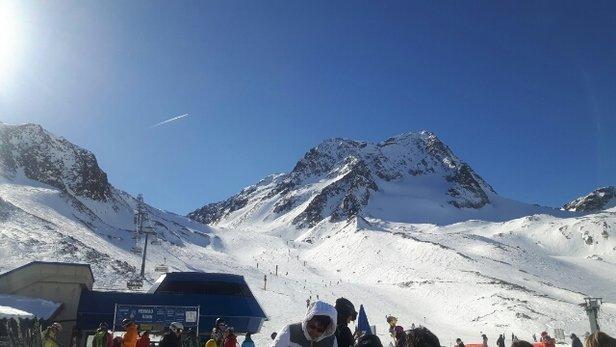 Stubaier Gletscher - Sehr guter Schnee. Perfekte präparierte Pisten. Sehr schönes Wetter. - ©Anonym
