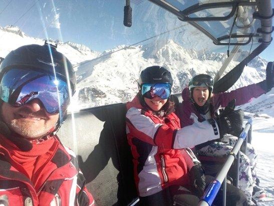 Skiarena Andermatt-Sedrun - awesome bright day. Gemstock magnificent - ©stephengildert85
