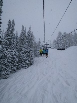 Solitude Mountain Resort - Big dump last night, great day - ©dvonjan