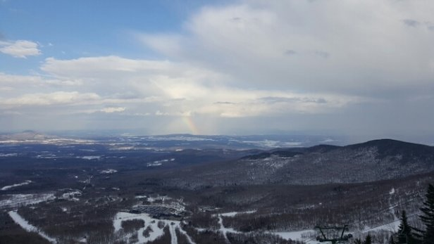 Jay Peak - Spring conditions over February break kind of stinks but we'll take it The Rainbow was in Canada but today God shined on Jay - ©cimbab21