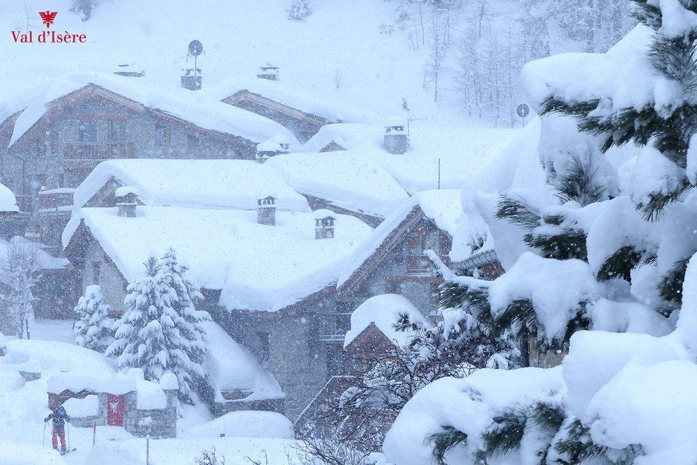Viiiiiiel Neuschnee gab es über Nacht in Val d´Isère - ©Facebook YSE Ski Chalet Holidays - Val d´Isère