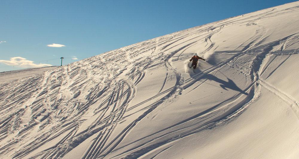 Det er fortsatt litt urørt snø å finne i Myrkdalen. - ©Jan Petter Svendal