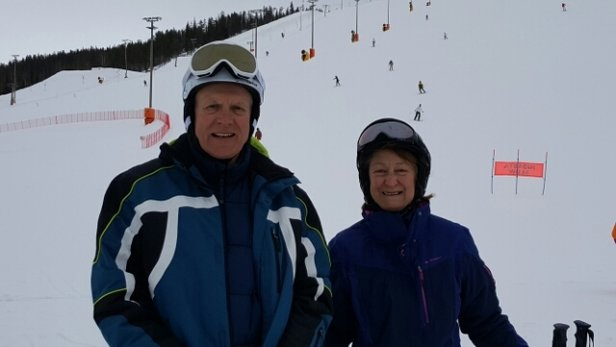 Levi - Beautiful skiing at Zero point and South point. Weather overcast. - ©Ron Walton