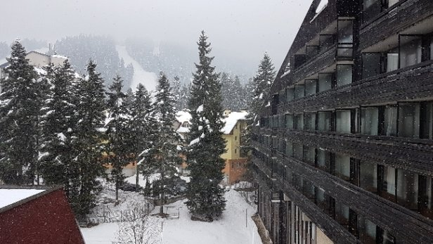 Borovets - Snow still falling. - ©anonymous