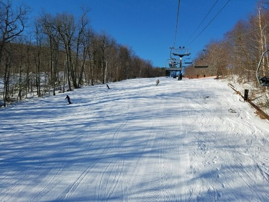 Wachusett Mountain Ski Area - Went Saturday 3/18. Snow was in great shape in the morning, most everything was open. skied from 8am to 1130am. got busy around 10am and the trails started to turn to ice. Overall good morning. - ©Brandon