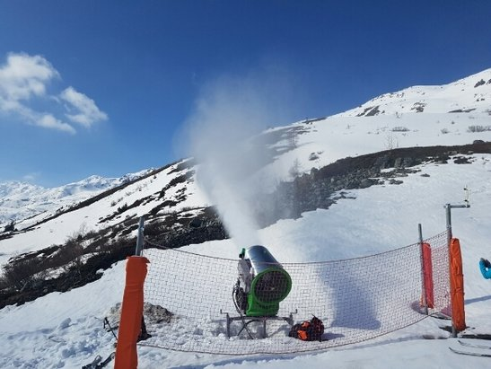 Valloire - arrosage au canon à neige  - ©manu