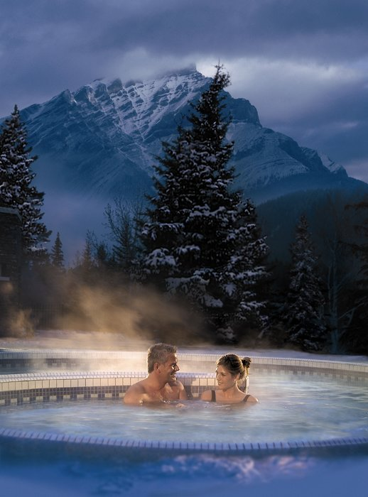 - ©Banff Lake Louise Tourism