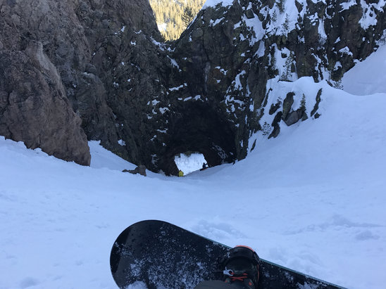 Mammoth Mountain Ski Area - Hole in wall! First time!  - ©Khollenbeckjr