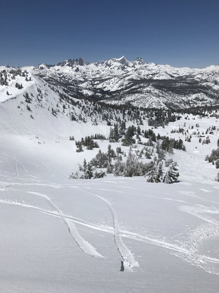 Mammoth Mountain Ski Area - Radical. Unreal  - ©Joseph's iPhone
