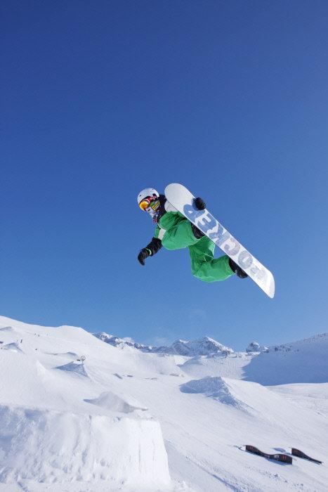 Snowboarden in Adelboden - ©Adelboden Tourismus