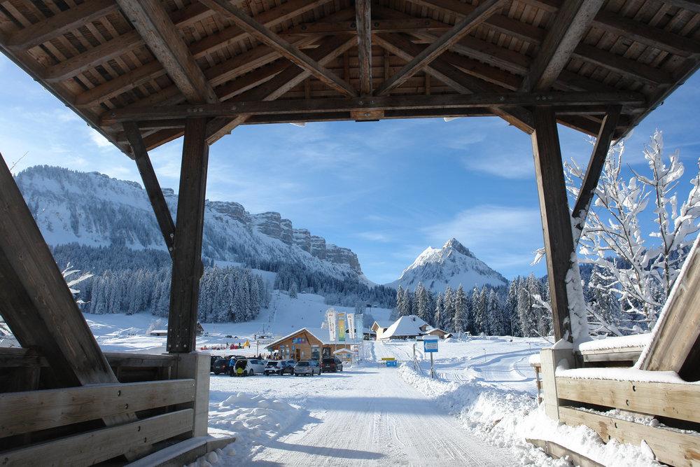 Im Skigebiet Eriz erwartet euch eine wunderschöne Berglandschaft. - ©Skilift AG Innereriz