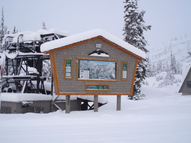 Piste map signpost