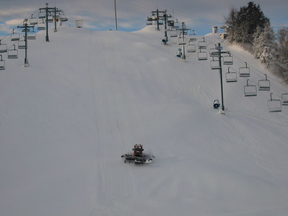 Groomer working between the lifts at Mt Kato, MN.