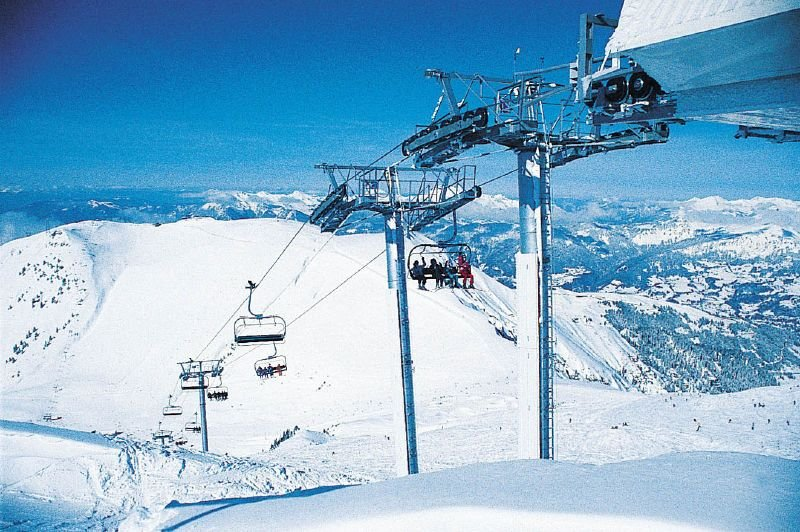 Taking the quadlift in Flaine, Le Grand Massif ski area