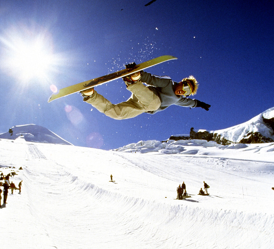 Saas fee is known to provide a good snowpark also in the Autumn
