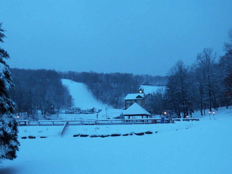 Snow on the slopes at Hidden Valley, PA. Courtesy of Hidden Valley Resort/Facebook