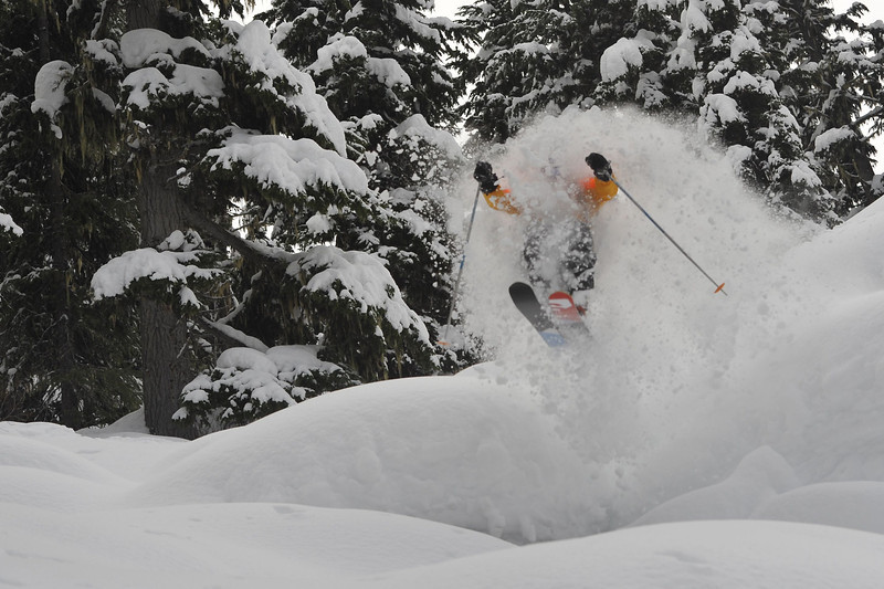A sweet pillow line at CMH-Heli Skiing - ©CMH Heli-Skiing