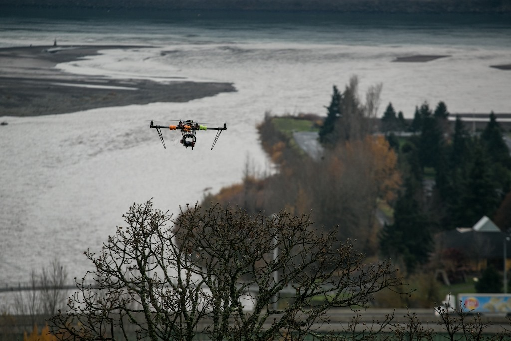 Getting a shot of the Columbia river with the remote control helicopter.