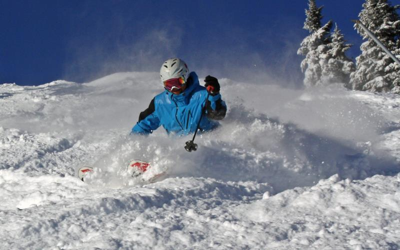 While last week brought the first powder day to many Vermont resorts, such as Stowe, the next week could end up being very different.
