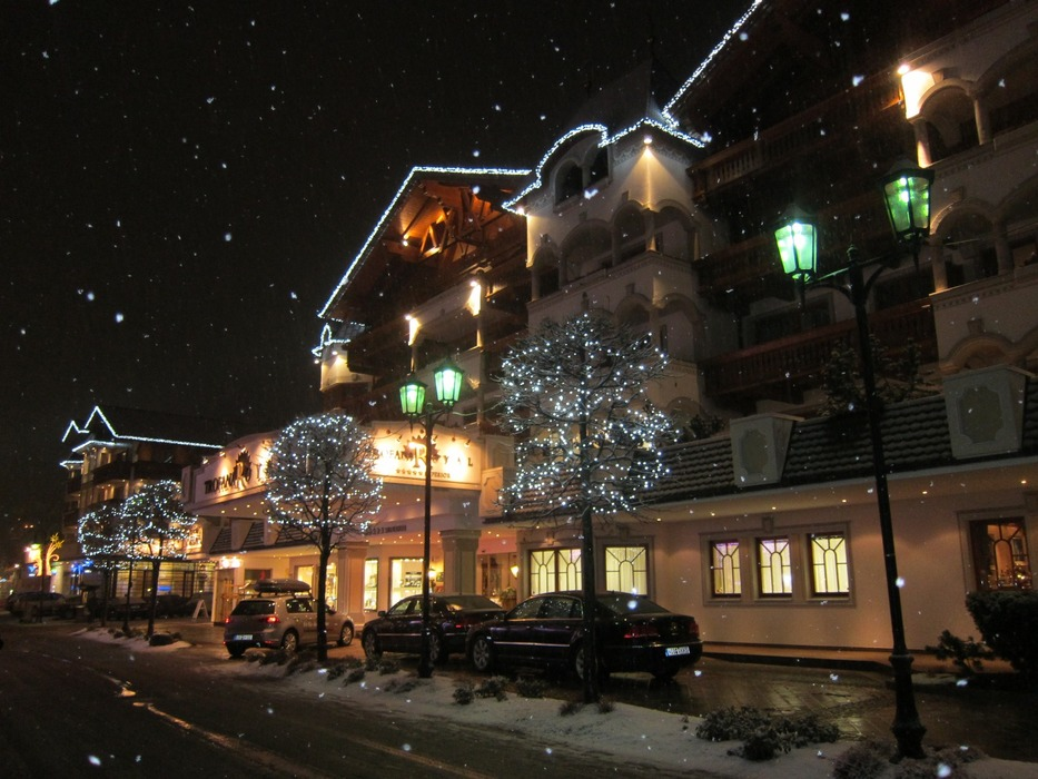 Pretty Ischgl at night