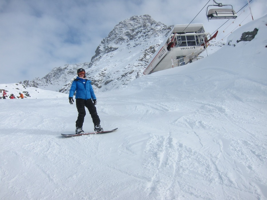 Snowboarding and chairlift, Ischgl. 