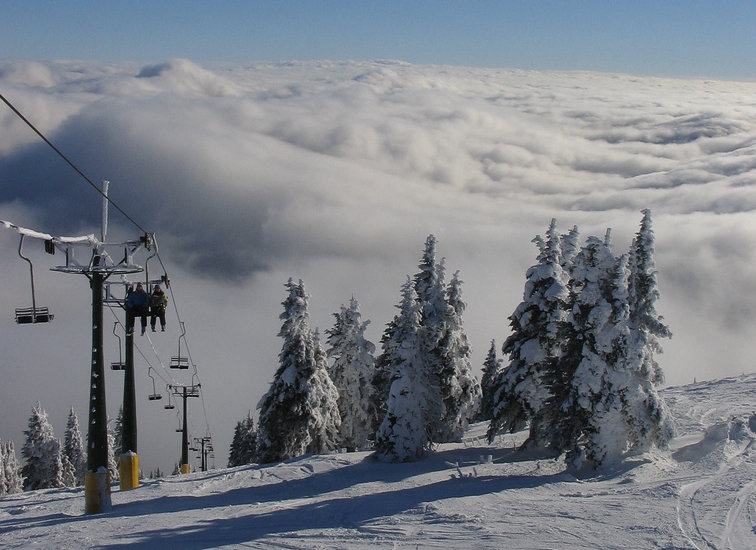 Mt. Spokane on a sunny inversion day. Photo by Junaid Duwad/Flickr