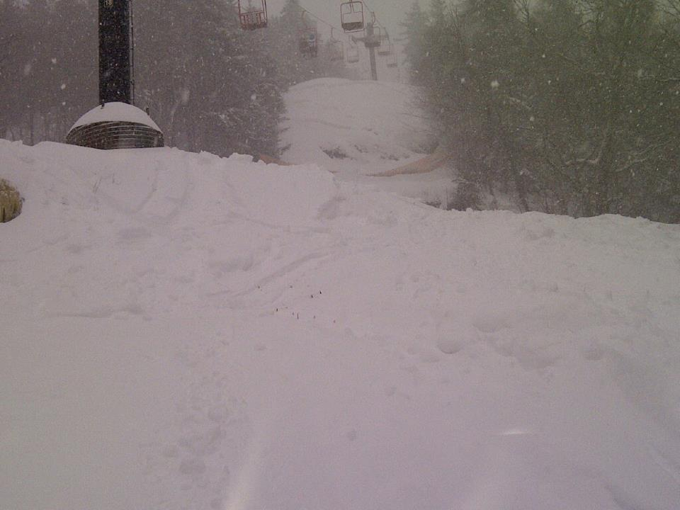 Magic Mountain's epic terrain should be skiing great. 12/27/2012