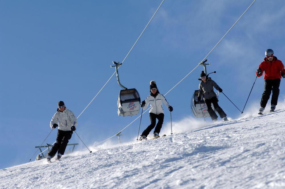 Skiing at Plan de Corones (ITA) - ©Martin Schönegger