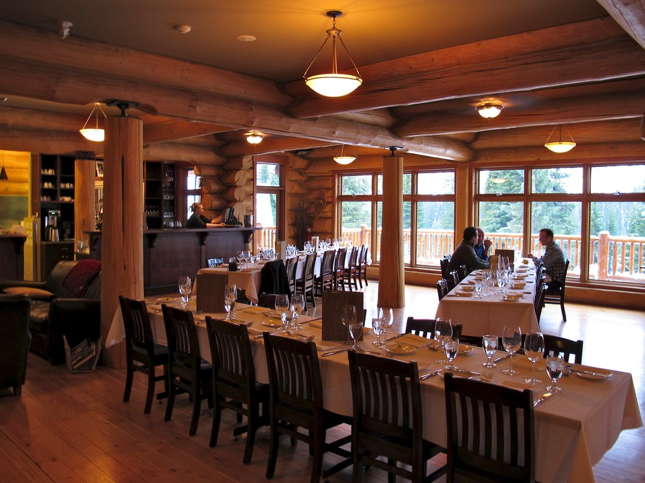 World class dining at Island Lake Lodge.